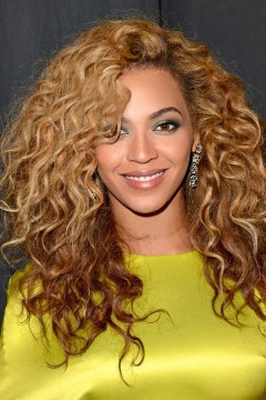 beyonce curyl layered hair
