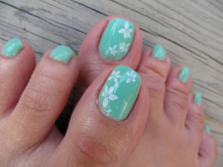 Blue and White Flower Cute Toe nail Design , FMag.com