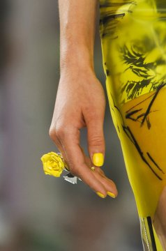 electric shades - beautiful nail designs from Prabal Gurung