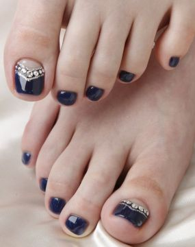 dark blue pedi with crystals