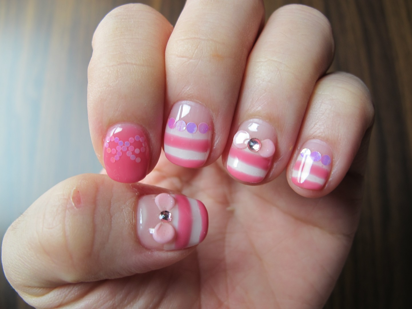 Manicure pink with white: design ideas 76