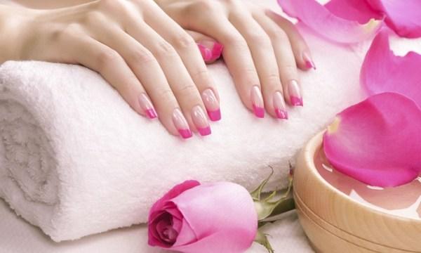 pink tips nails