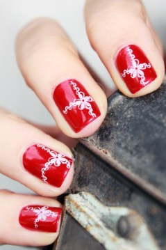 red nail deisgn white lace