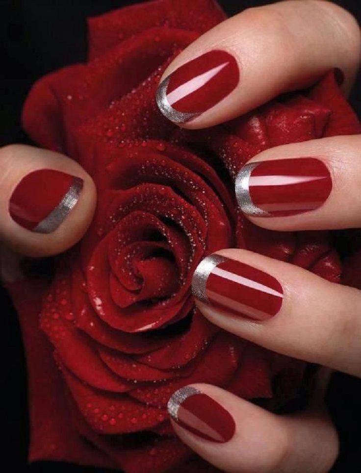 red nails glitter tips