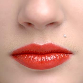 Small monroe piercing