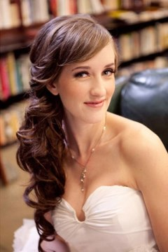 Elegant Side Ponytail Hairstyle for Wedding