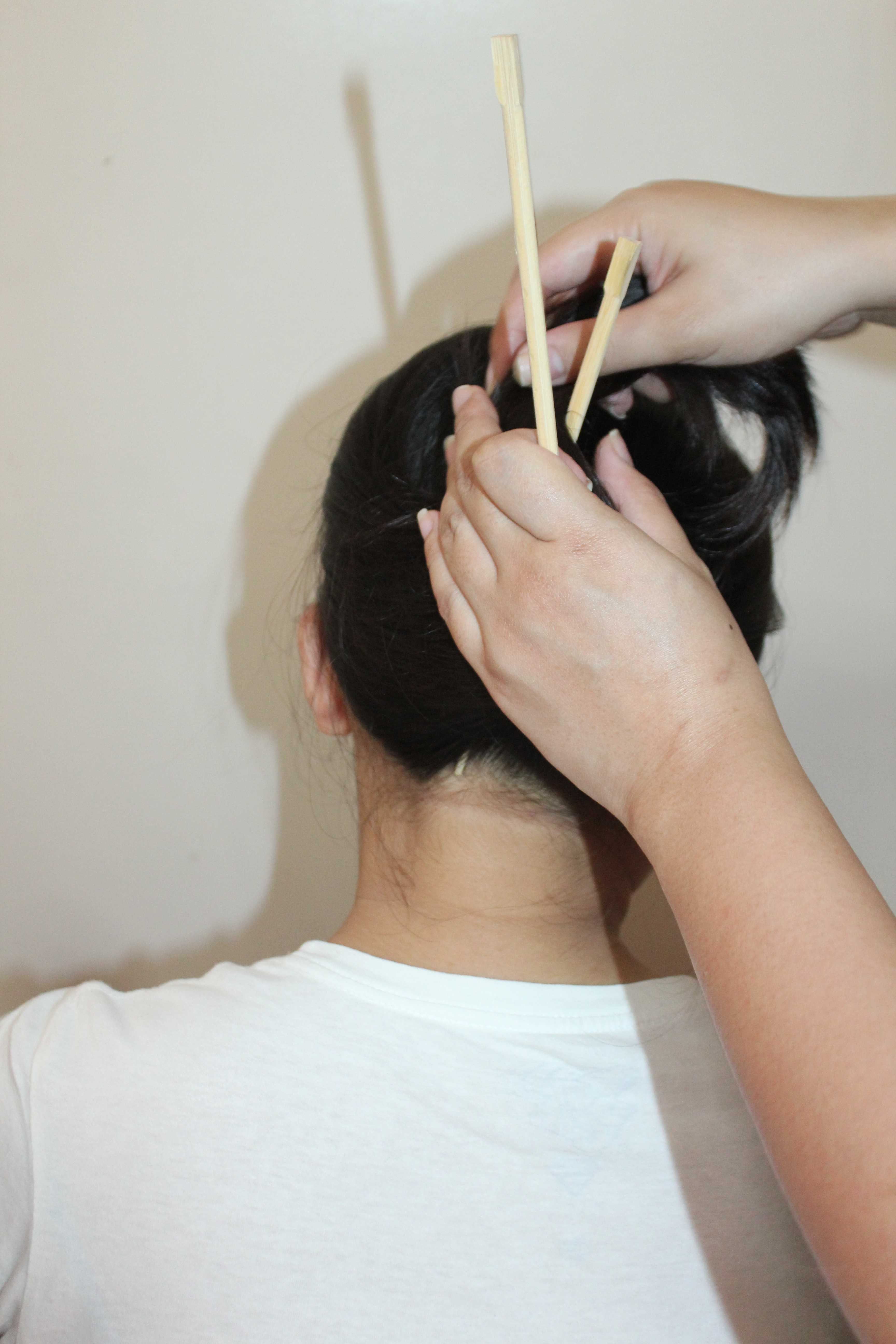 how to use chopstick bun