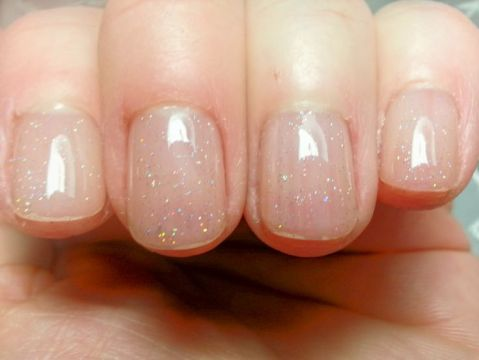 Gel Manicure with a Subtle Touch of Glitter