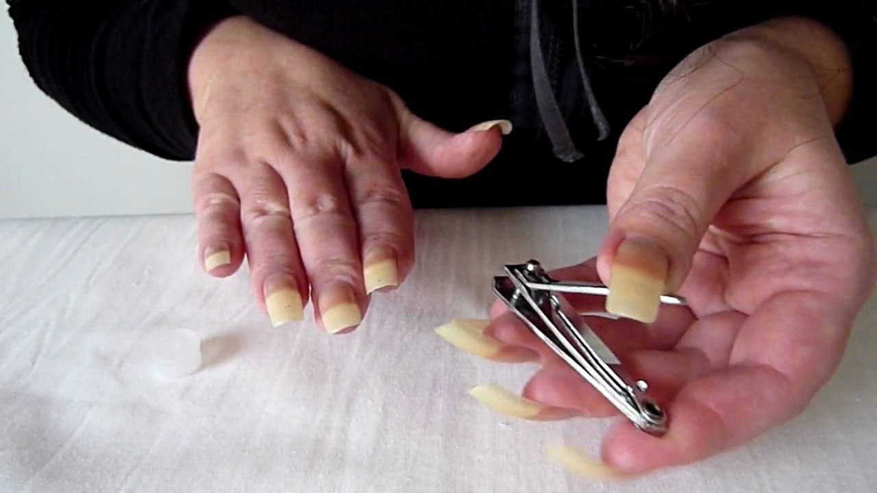 Surprisingly Easy Methods to Get Acrylic Nails Off at Home - FMag.com