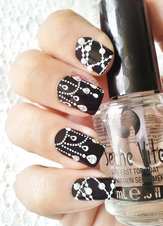 52 Classic & Beautiful Black and White Nail Designs Ideas - FMag.com
