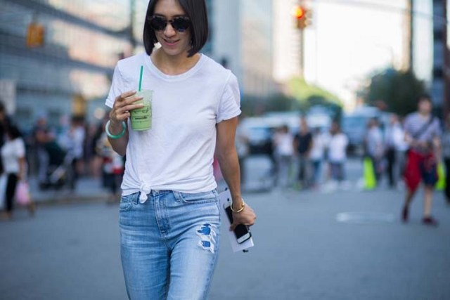 knotted white t shirt boyfriend jeans