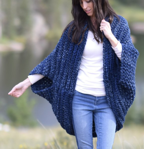 blue blanket cardigan with mom jeans