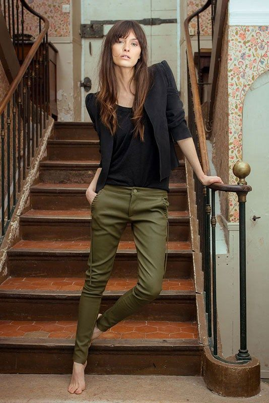 green skinny jeans french style