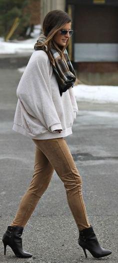 oversized sweatshirt camel suede pants