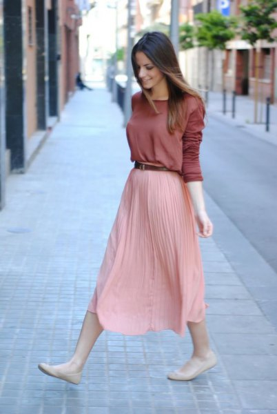 pleaded skirt long sleeve sweater