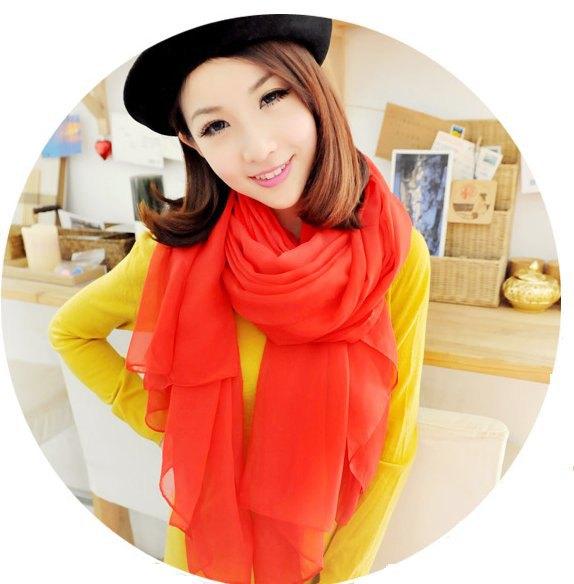 red chiffon scarf yellow shift dress painter hat
