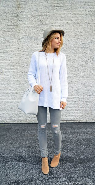How to Wear Grey Jeans for Women 12 Best Outfit Ideas - FMag.com