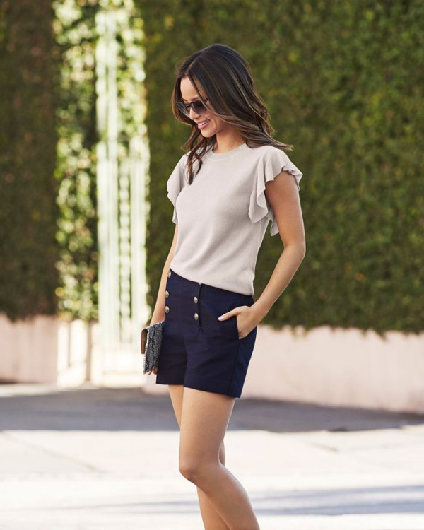 best flutter sleeve top outfits