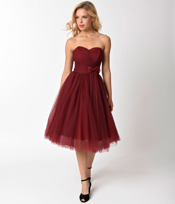 15 Gorgeous Burgundy Cocktail Dress Outfits - FMag.com