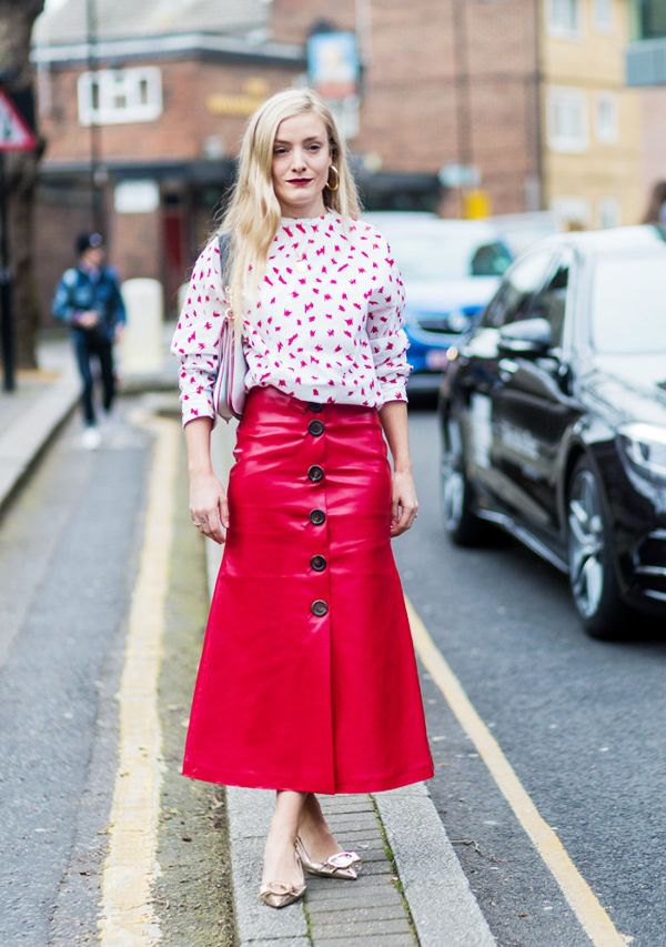 15 Amazing Outfit Ideas on How to Style Red Leather Skirt - FMag.com