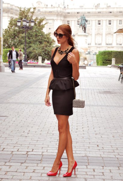 black deep v neck peplum bodycon mini dress
