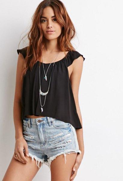 black scoop neck crop top denim shorts