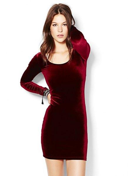 burgundy long sleeve velvet bodycon dress