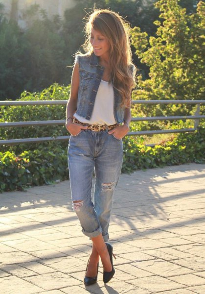 denim vest white top cuffed boyfriend jeans