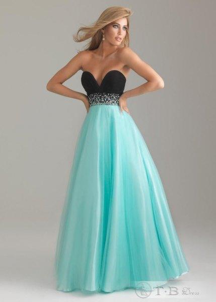 strapless sweetheart neckline empire waist maxi flare dress