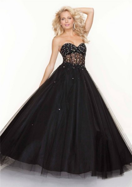 sweetheart strapless black tulle prom dress