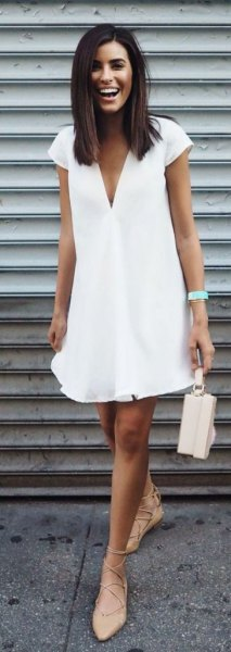 v neck shift dress pale pink heels