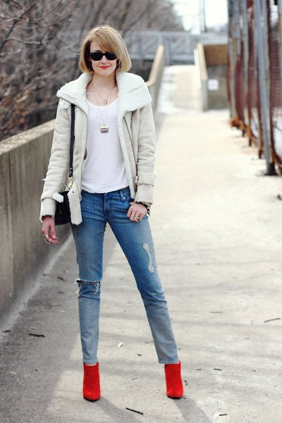 white top ivory teddy collar jacket