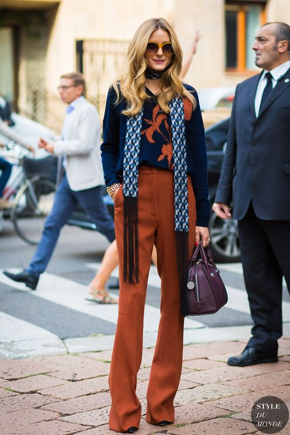 orange pants chic