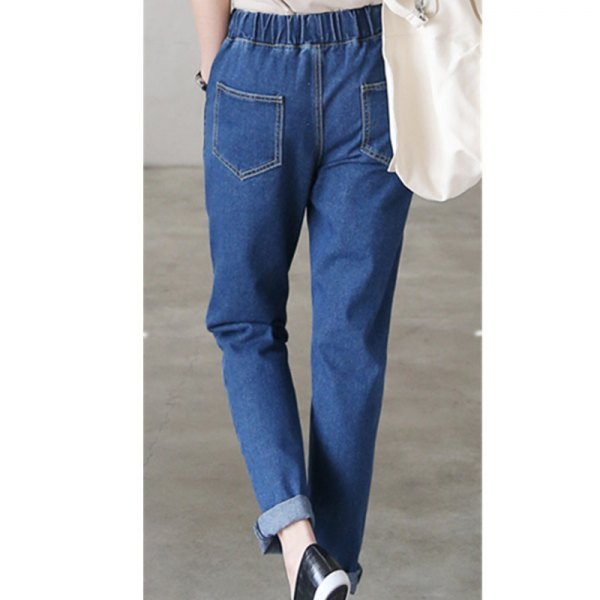 blue cuffed straight leg jeans leather sneakers