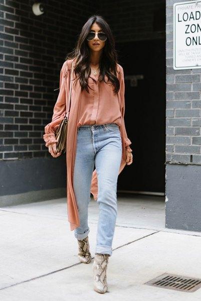 blush pink blouse light blue boyfriend jeans