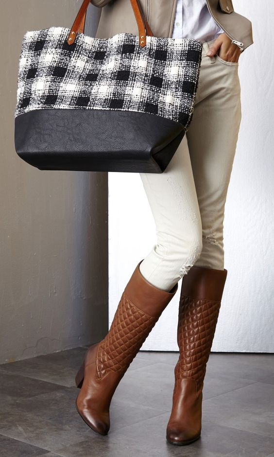 quilted boots beige