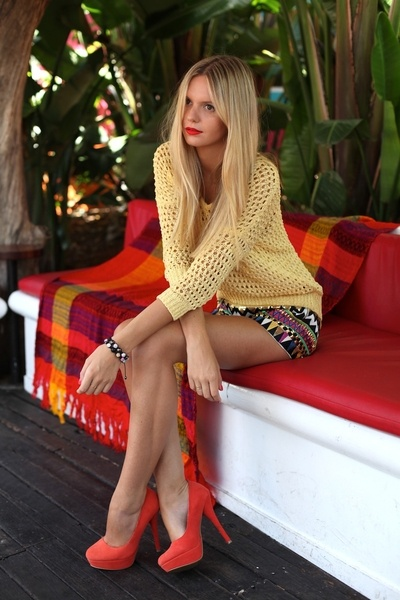red platform heels crochet blouse