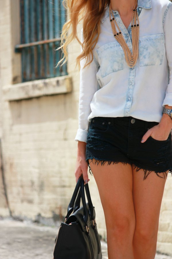 best black denim shorts outfit ideas