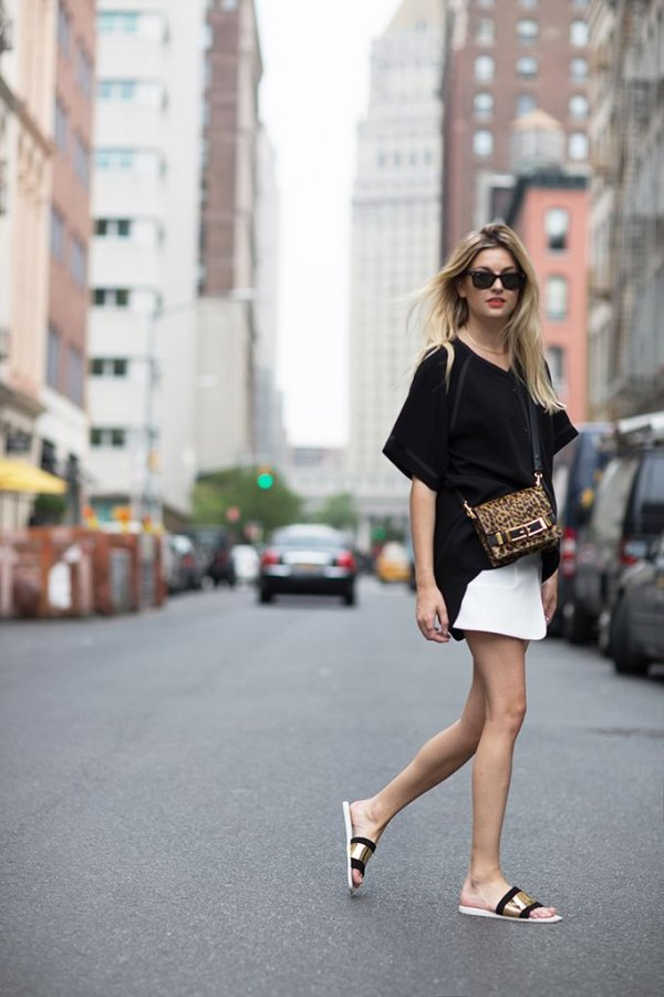 4199ae0a78f2af How to Style Slide Sandals  15 Surprisingly Chic Outfit Ideas - FMag.com