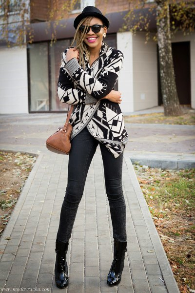 black and white printed wrap cardigan skinny jeans