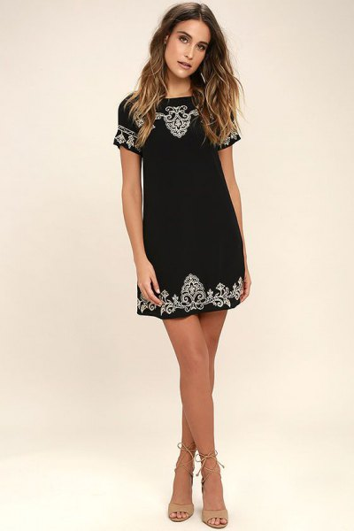 black tribal pattern embroidered short sleeve mini shift dress
