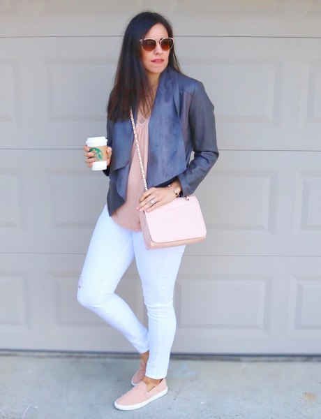 blush pink blouse white skinny jeans