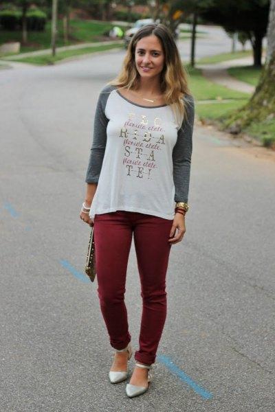printed long sleeve tee burgundy skinny pants