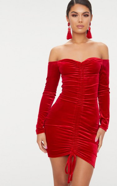 red sweetheart tube dress separated long sleeves