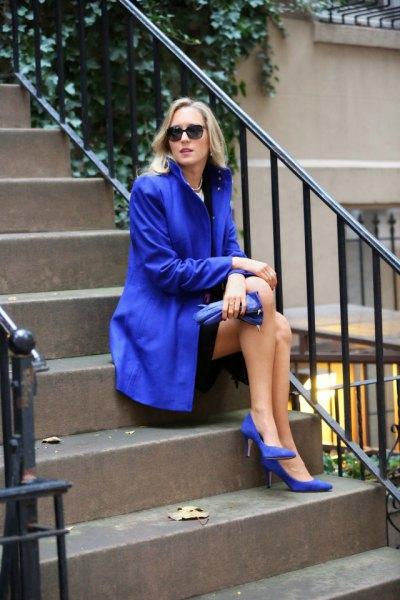 royal blue long trench coat heels of exact same color