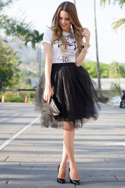 white print tee black mini tulle skirt