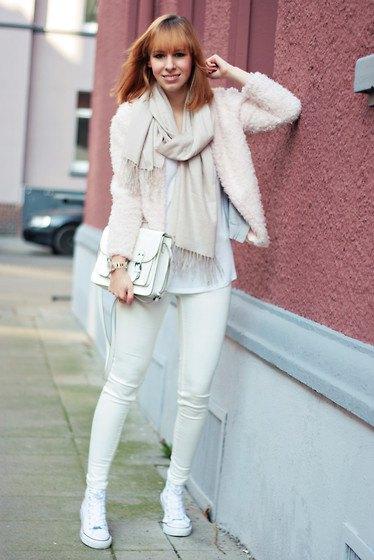 white teddy coat skinny jeans