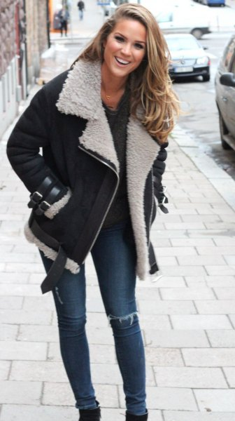 black jacket with skinny jeans and boots