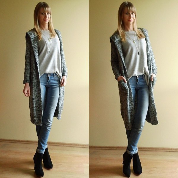 grey sweatshirt light blue skinny jeans