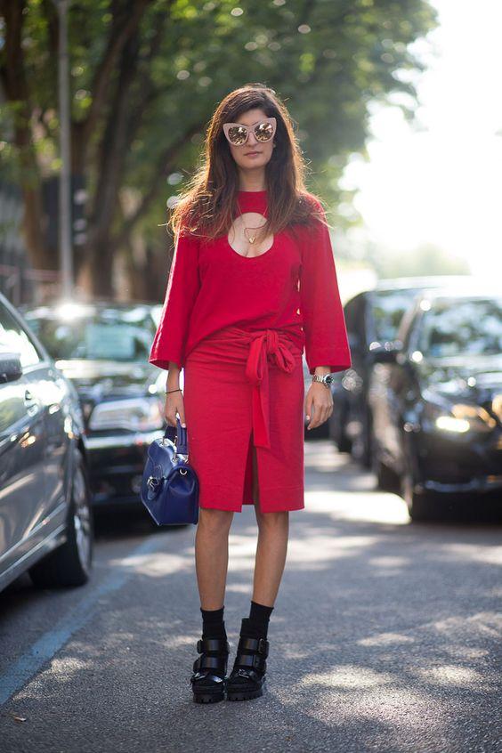 keyhole shirt circle red